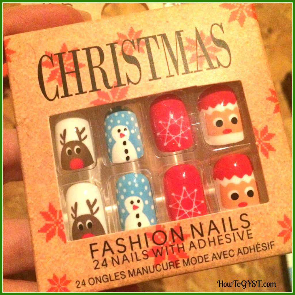KonMari Komono Attic Christmas nails